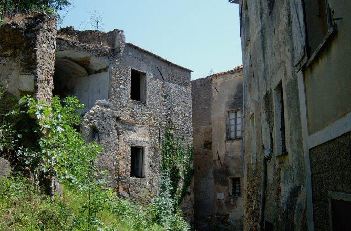 Le foto di Biagio Giordano. Savona e Balestrino